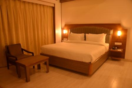 Hotels with Bar in Allahabad